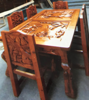 desert scene dining table and chairs