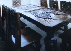 eight piece sunflower dining room set